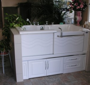 Peninsula style, right hand Safety Plus Slide-in Bath tub